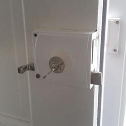 oplegslot op deur